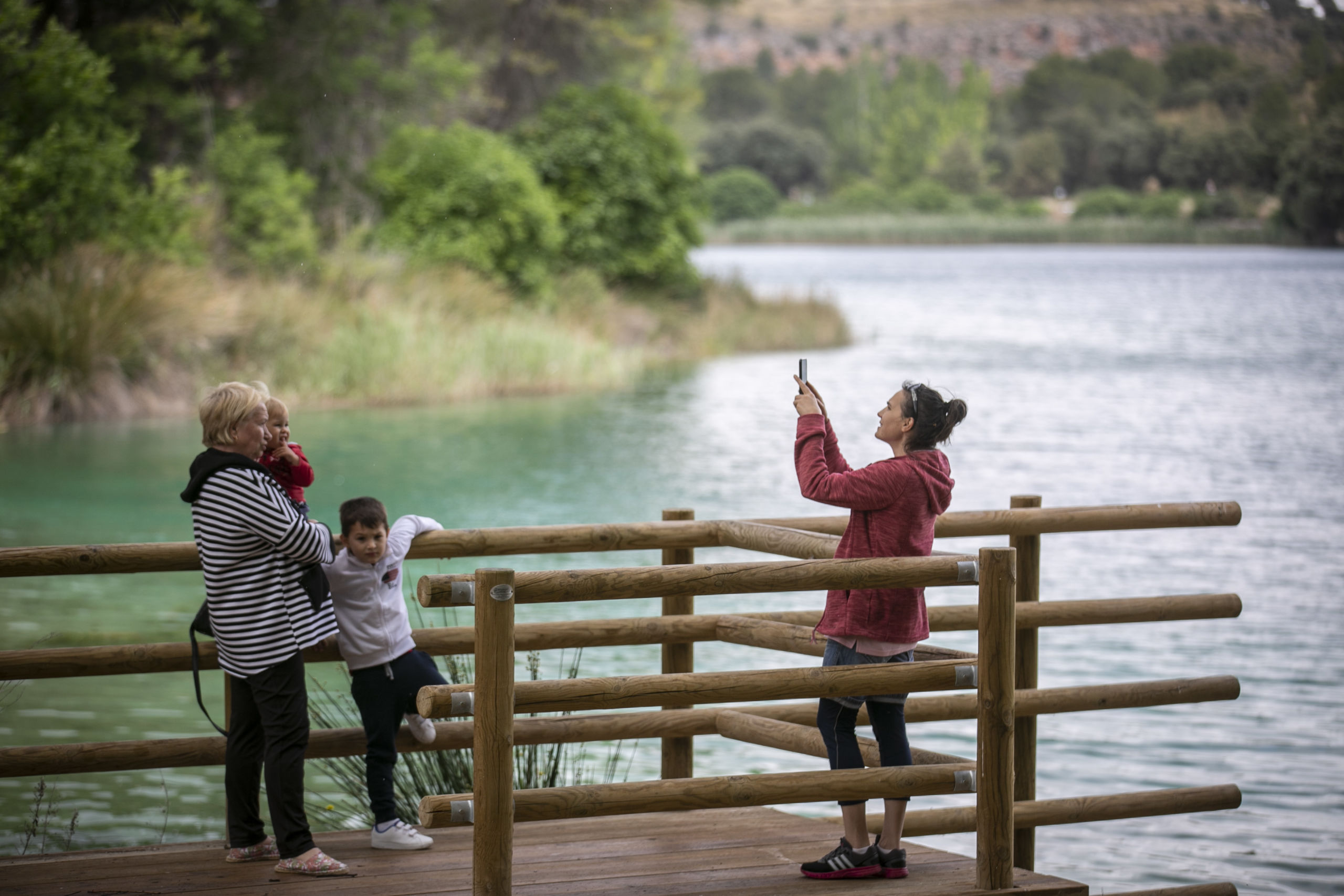 Visitantes de las Lagunas de Ruidera, en junio del año pasado / Clara Manzano