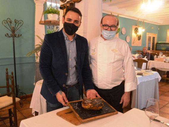 Los Clientes Disfrutan De Las I Jornadas Gastronómicas Txuleton Del Restaurante Casa Justo Lanza Digital Lanza Digital
